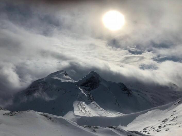 Eg blei overvelda av alle topptur-moglegheitene rundt Narvik. (Foto: Dominik Siegrist)