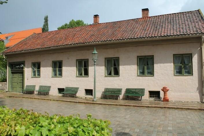 Fred Olsens gate 13 slik den fremstod etter ombygging ca 1800. Står i dag på Norsk folkemuseum Eier: Norsk folkemuseum