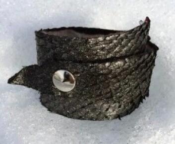 """Myke, deilige armband i skinn, foret med ull, laget av Janne Helen Nilsen. (Foto: <a href=""""http://www.janehelendesign.net"""">www.janehelendesign.net</a>)"""