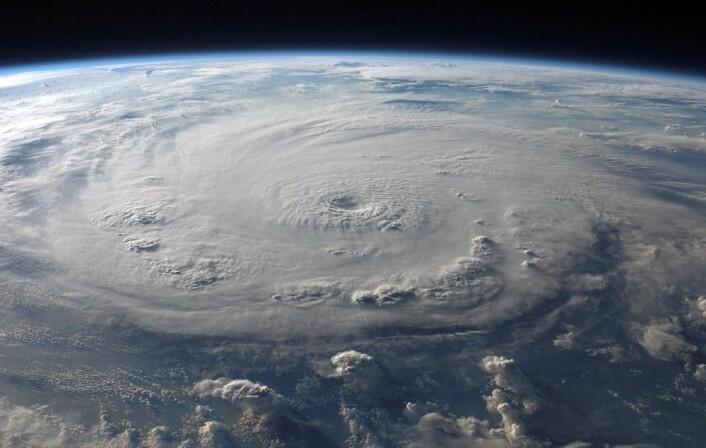 Hele Jorden direkteoverført i video er målet til selskapet EarthNow. Dette bildet av orkanen Felix ble tatt fra romstasjonen i september 2007. (Foto: NASA)