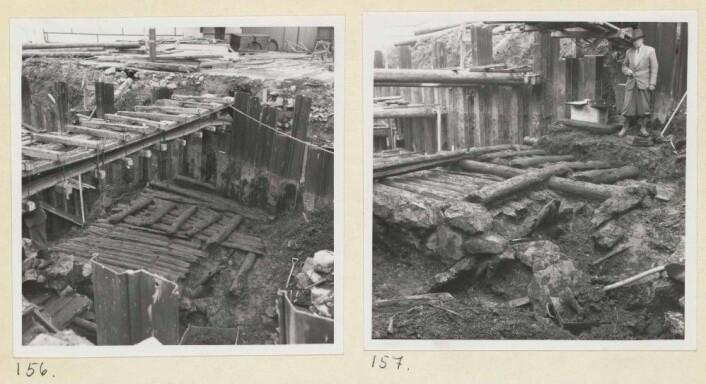 Figur 1: Utgravningen av Bispeallmenningen i 1953. På disse bildene er det yngste nivået av oppbygget gateløp nesten fjernet, og under trer et mer regulært stokkedekke fram. Foto: Bernt Lange, Riksantikvarens arkiv.