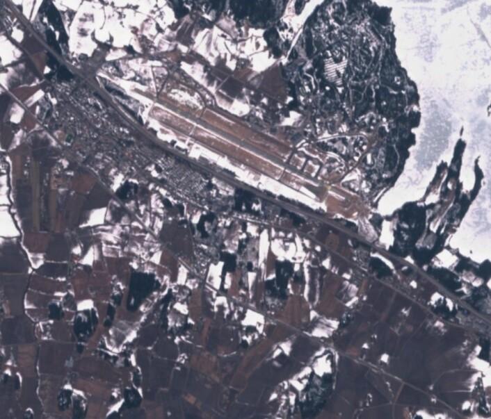 Mye bar bakke sør for Rygge da Sentinel-2 passerte første påskedag. (Bilde: Copernicus Sentinel data 2018)
