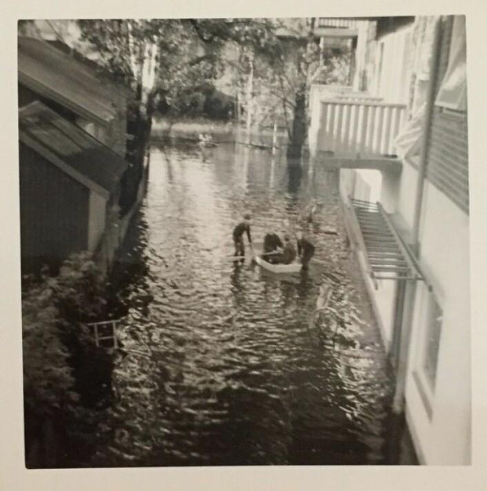 I 1967 var det mye vann i bakgården ved huset der vi bodde. (Bilde: H. Wahl)