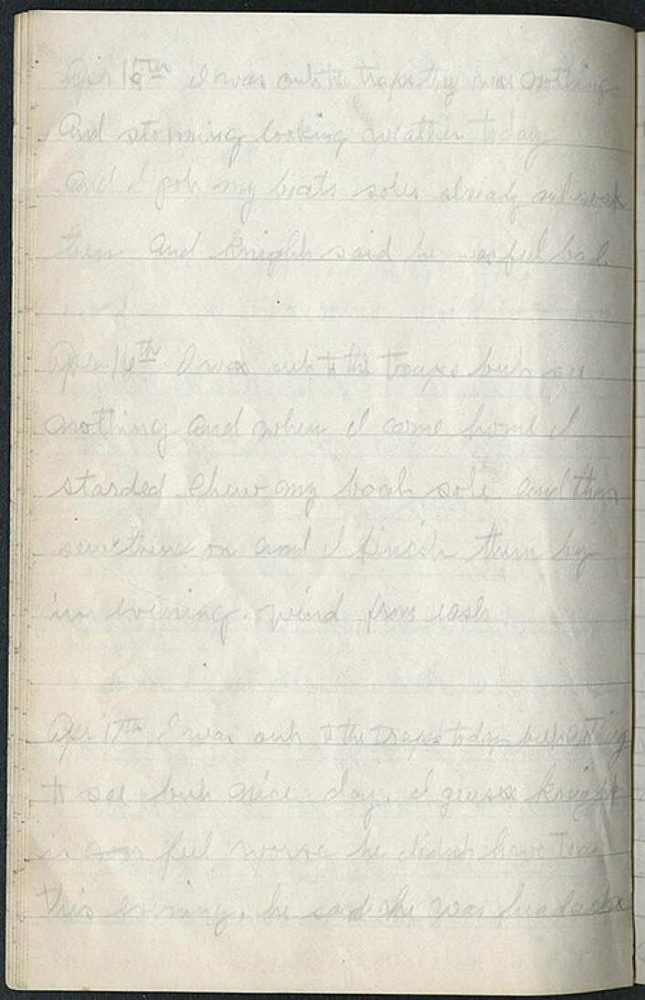 Med blyant på skriveblokk skrev Blackjack dagboka fra Vrangeløya. Her er utdragene for 15.–17. april 1923. (Kilde: Courtesy of Dartmouth College Library)