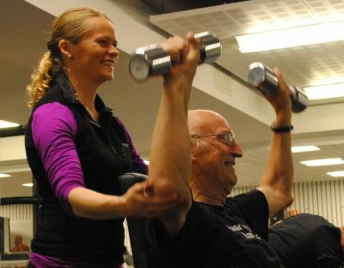 <em>Pasientene i FALC studien ble fulgt tett opp av Personlig Trener og Fysioterapeut gjennom hele treningsperioden en til en. Her under trening på Norges idrettshøgskole med Hans Kristian Ringkilen og personlig trener Silje Rustad. Privat foto med tillatelse.</em>