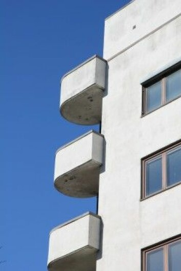 Dristige tekniske løsninger som brøt med det gamle kjennetegner funkisarkitekturen. Her balkonger som nærmest svever utenpå bygningskroppen. Middelthuns gate, Oslo. 1938. Foto: Ellen Hole, NIKU