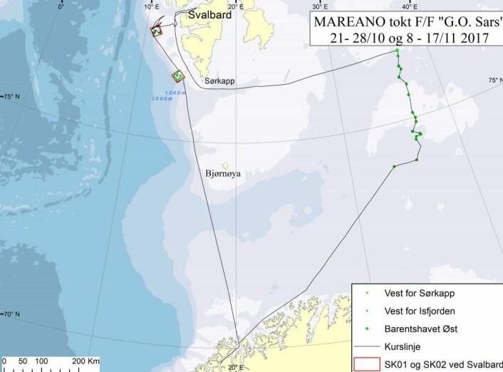 """Den svarte streken er kurslinjen som viser hvor """"G.O. Sars"""" har gått i løpet av toktet. De grønne prikkene er stasjoner der det er gjort grundige undersøkelser av havbunnen med flere ulike redskap. Kart: MAREANO"""