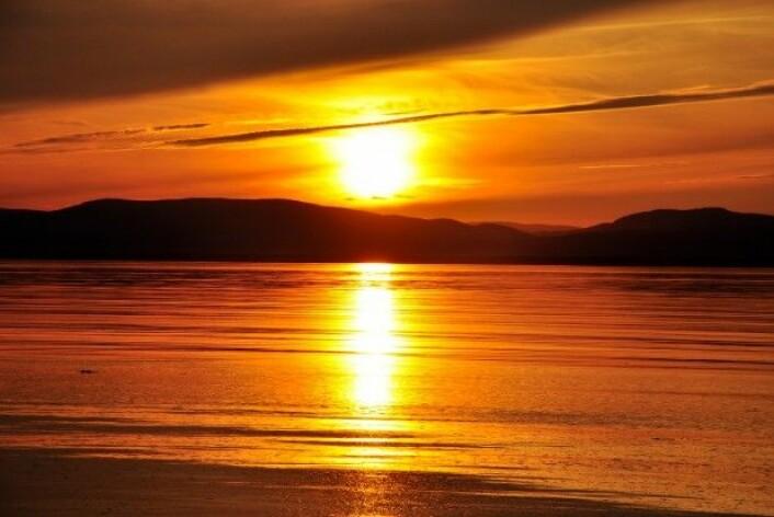 Hvordan kan en vakker solnedgang danne utgangspunkt for en mer aktiv naturopplevelse? (Foto: Colourbox)