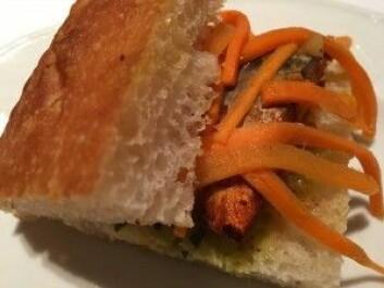 I Japan kalles denne makrell-sandwichen for «Saba sando», og er veldig populær. (Foto: Kine Mari Karlsen)