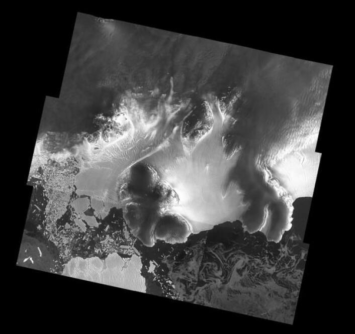 Isbremmen Dotson (midt på bildet) i Vest-Antarktis, sett av radarsatelittparet Sentinel-1. Norske etater bruker Sentinel-1 til å se blant annet havis og skip. Copernicus Sentinel data (2017), processed by A. Hogg/CPOM