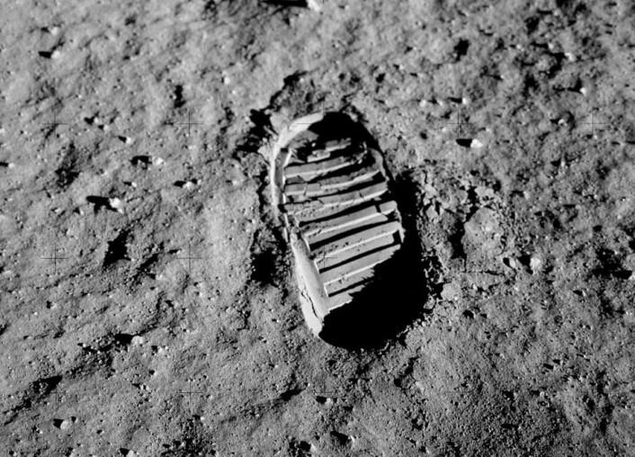 Nye fotavtrykk på Månen etter over 40 års fravær, hvis amerikanske myndigheter får det som de vil. Dette er fra den første Apollo 11-ferden i 1969. (Foto: NASA)