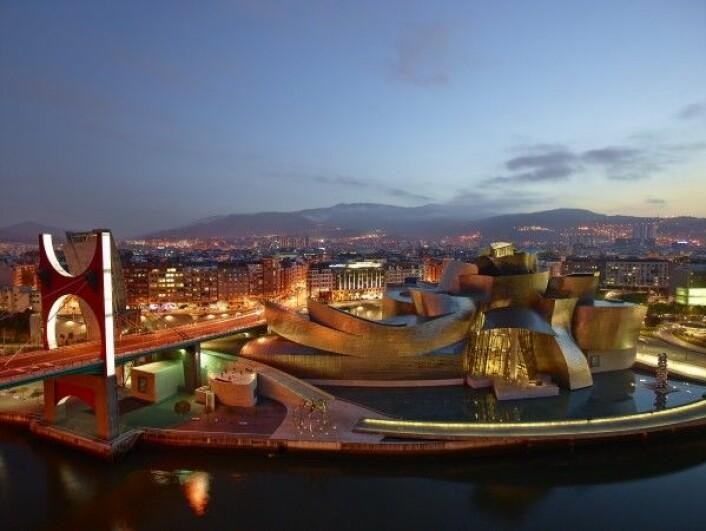 Guggenheim-museet i Bilbao i Spania. Museo Guggenheim Bilbao