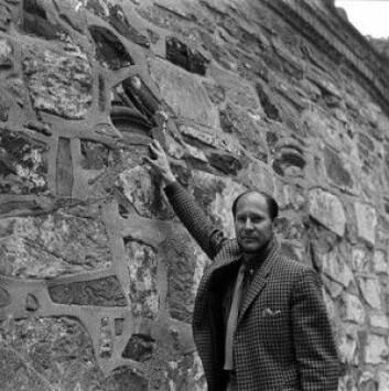 Riksantikvar Stephan Tschudi-Madsen representerte Norge i verdensarvkomiteen på 1980-tallet. Foto: Åsgeir Valldal - Digitalt Museum/Norsk Folkemuseum