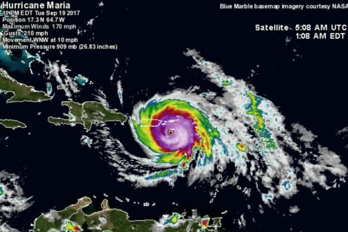 Orkanens øye passerte veldig nær de gamle dansk/norske havnene på St.Croix. (Bilde: wunderground.com)