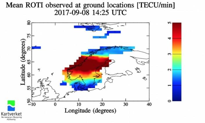 Og jammen blafret det godt i ionosfæren på fredag, også. (Bilde: Kartverket)