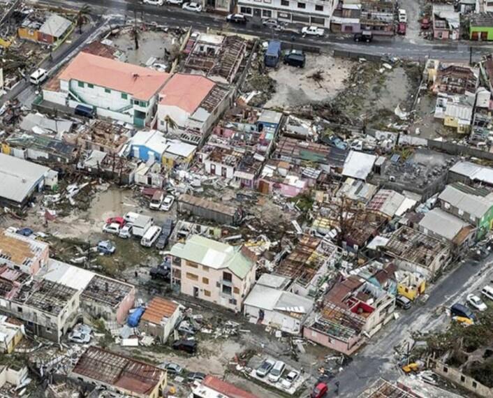 Store ødeleggelser på St. Maarten. (Flyfoto fra det nederlandske forsvarsdepartementet)