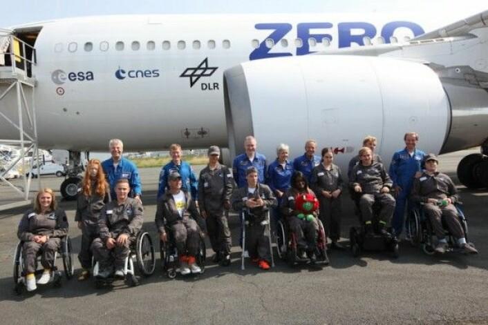 Unge funksjonshemmete sammen med romfarere fra ESA før parabelflygning i august 2017. ESA/Novespace