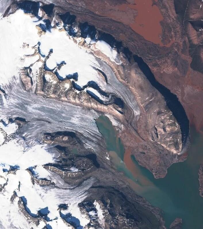 Sommerstemning på Svalbard, sett fra Sentinel-2. (Bilde: Copernicus Sentinel data 2017)
