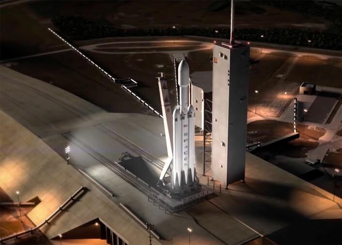 Falcon Heavy vil bestå av en modifisert Falcon-9 i midten og ytterligere to Falcon 9 førstetrinn festet på sidene. Dette vil øke løfteevnen noe under tre ganger i forhold til Falcon 9. (Illustrasjon: Fra video laget av SpaceX.)