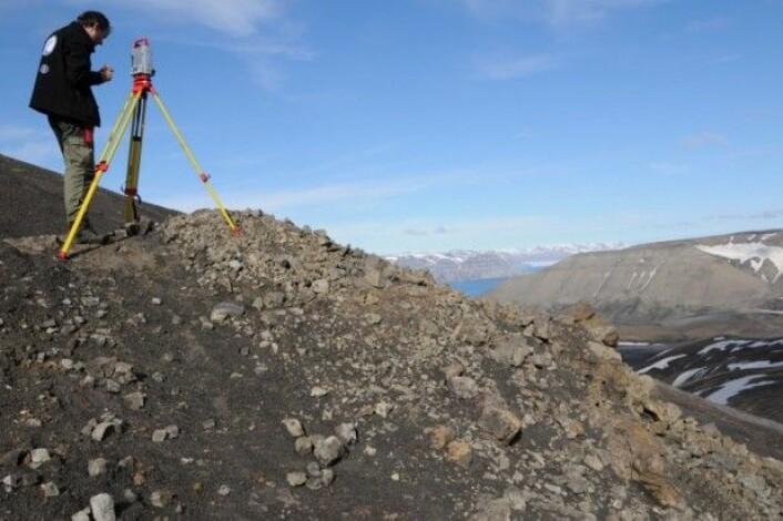 Øyvind bidrar til gruppearbeidet. (Foto: Hans Arne Nakrem)