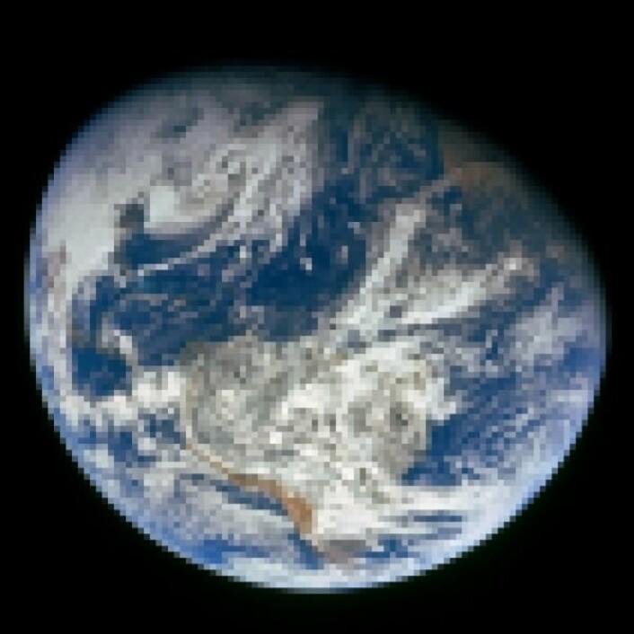 Klimamodellene er litt som et bilde av virkeligheten, gjengitt i grove piksler. På samme måte er klimamodellene konstruert for å gjenskape essensielle funksjoner av atmosfæren og havene, men utelater mindre viktige detaljer. (Foto: NASA)