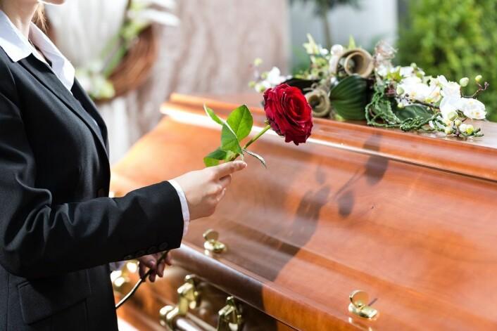 Hvis du ikke dør, blir livet ditt fullt av begravelser. Alle andre rundt deg vil jo dø. (Illustrasjonsfoto: Kzenon, Shutterstock, NTB scanpix)