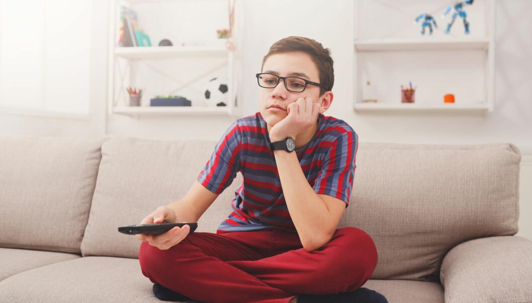 9- og 15 år gamle gutter satt 40 minutter mer stille i perioden mellom 2011 og 2012 enn mellom 2005 til 2006. Blant 15 år gamle jenter hadde stillesittingen økt med nesten 50 minutter i løpet av samme periode. (Illustrasjonsfoto: Shutterstock / NTB Scanpix)