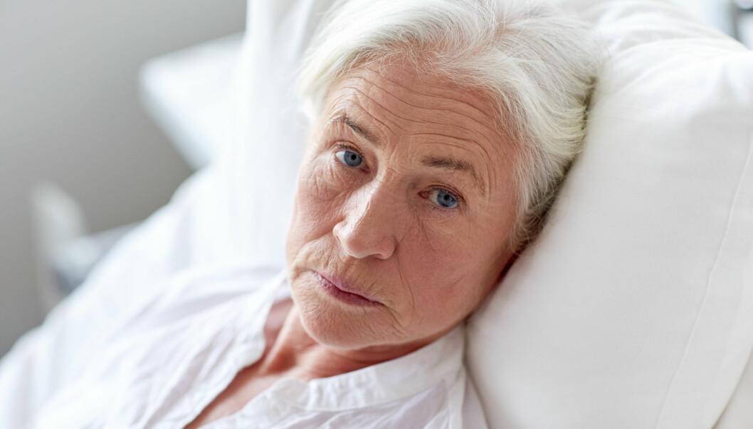 Om lag 10 prosent av sykehusenes ressurser brukes på pasienter som er i ferd med å dø. Men det er store forskjeller i hvor mye ressurser sykehusene bruker på døende personer. Langt mer brukes på yngre enn på eldre. (Illustrasjonsfoto: Syda Productions / Shutterstock / NTB scanpix)