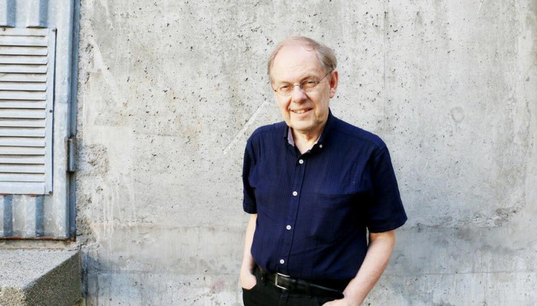 Gunnstein Akselberg er blant de mest profilerte formidlerne ved UiB. - Vi svikter som universitet om vi ikke når ut til folk med forskningen vår, sier Akselberg. (Foto: Njord V. Svendsen)