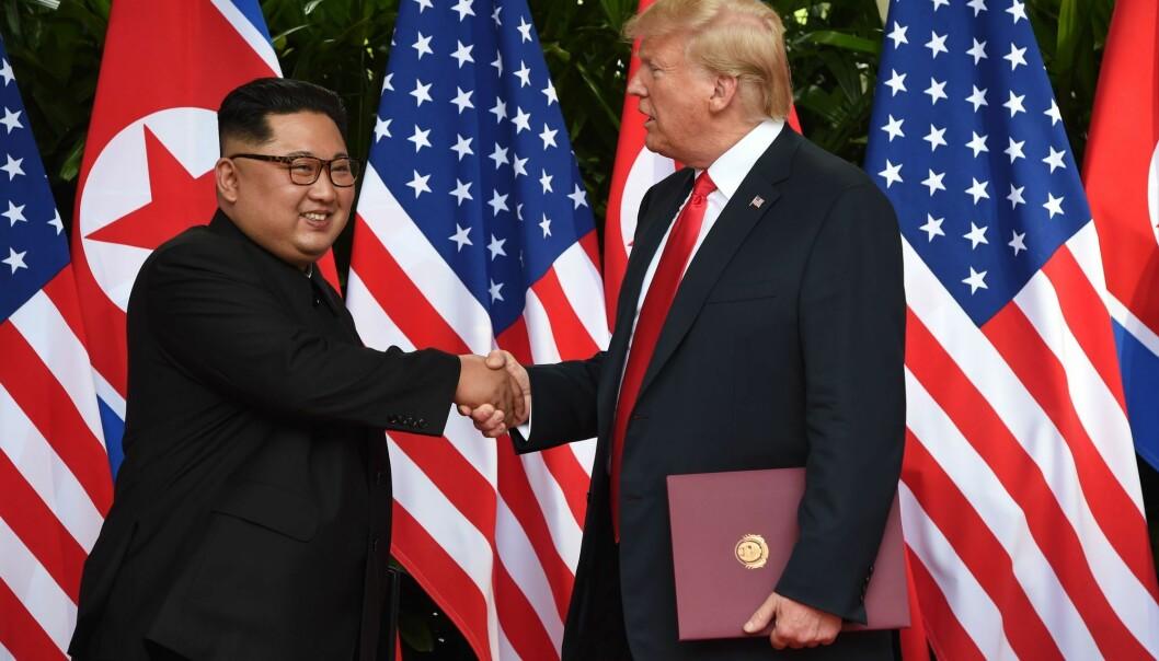 – Autoritære stater kan bruke kjernevåpen for å oppnå ulike mål innen forsvar- og utenrikspolitikk. For Kim Jong-unkan etkjernefysisk skjold gimuligheter for aggresjon mot Sør-Korea. Men det gir ogsåmulighet til å forhandle med stormakter, og det skaperstørre uavhengighet fra Kina, sier forsker. (Foto: AFP Photo / POOL / Anthony WALLACE / NTB Scanpix)
