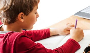 Skal elevene skrive digitalt eller for hånd?