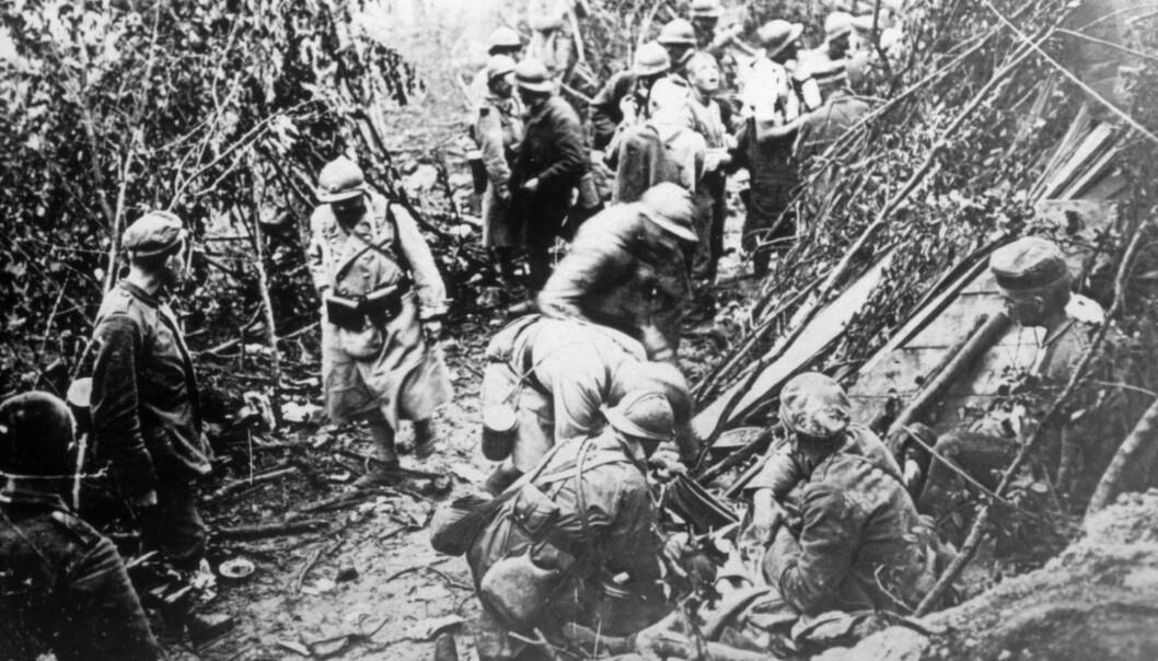 Her ser du franske soldater under første verdenskrig. Ikke bare ble opp mot 20 millioner militære og sivile drept i krigen, men etter krigen herjet spanskesyken og tok livet av mellom fem og ti ganger så mange. (Foto: Everett Historical, Shutterstock, NTB scanpix)