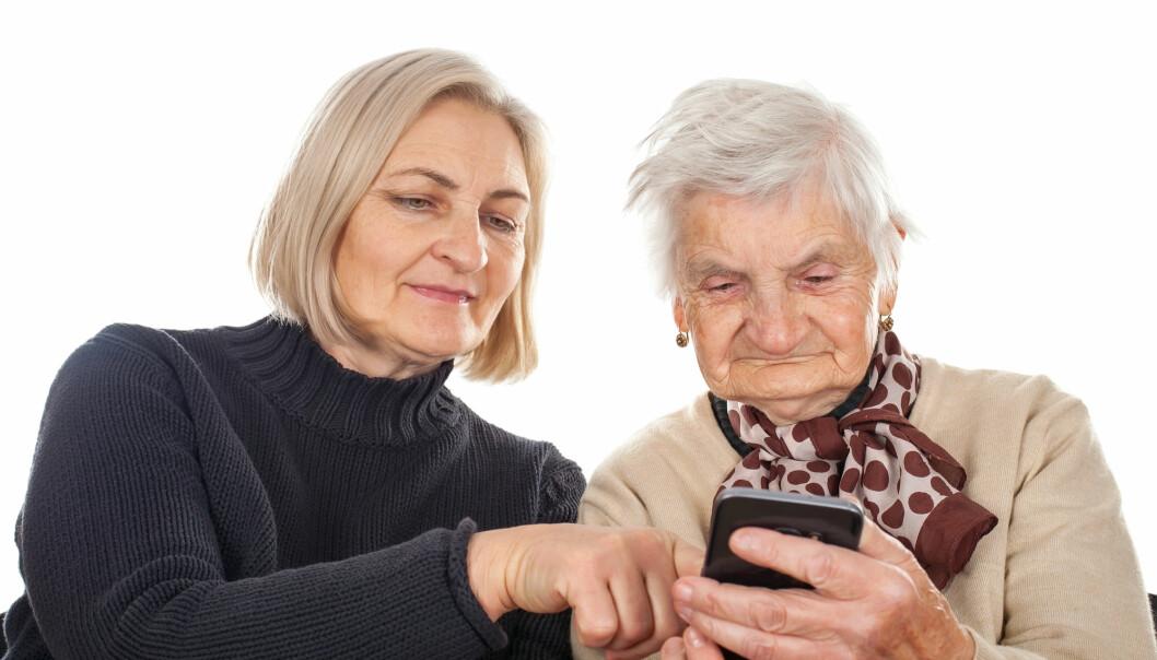 Eldre er blant gruppene som kan få vansker med teknologien som persontilpasset medisin ofte krever. (Foto: Shutterstock/NTB scanpix)