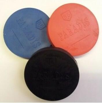 Hinketakker i tre farger. (Bildet er lånt ut av produsenten Norsk Gummi.)