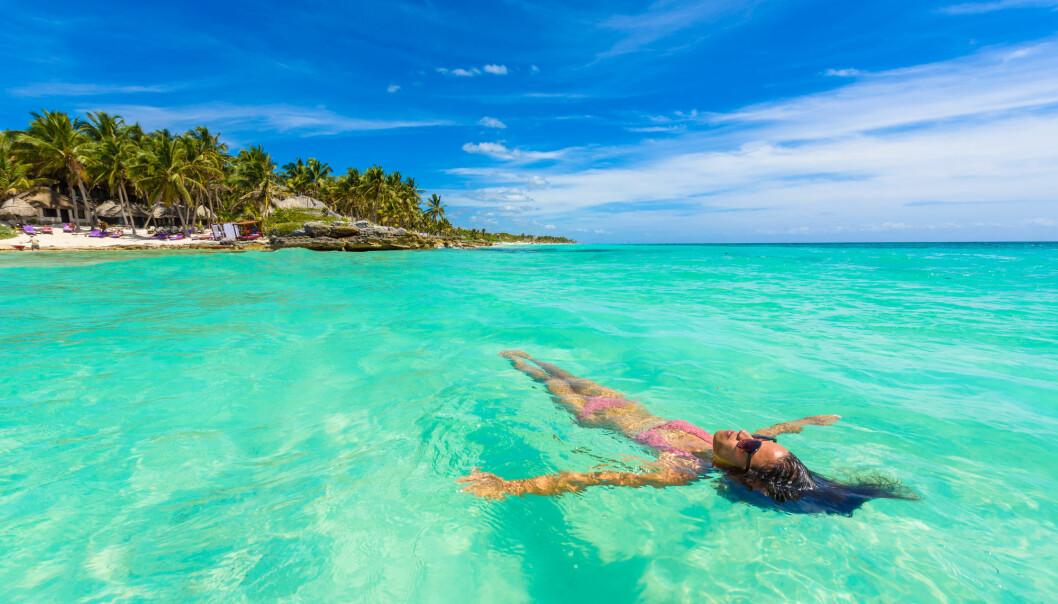 Ferie i varme land kan gjøre de varme landene enda varmere. Turisme er nemlig skyld i veldig store utslipp av drivhusgasser.  (Foto: Simon Dannhauer / Shutterstock / NTB scanpix)
