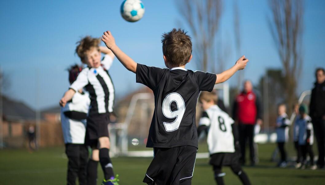 Kan fysisk aktivitet kompensere for stillesitting hos barn og unge?