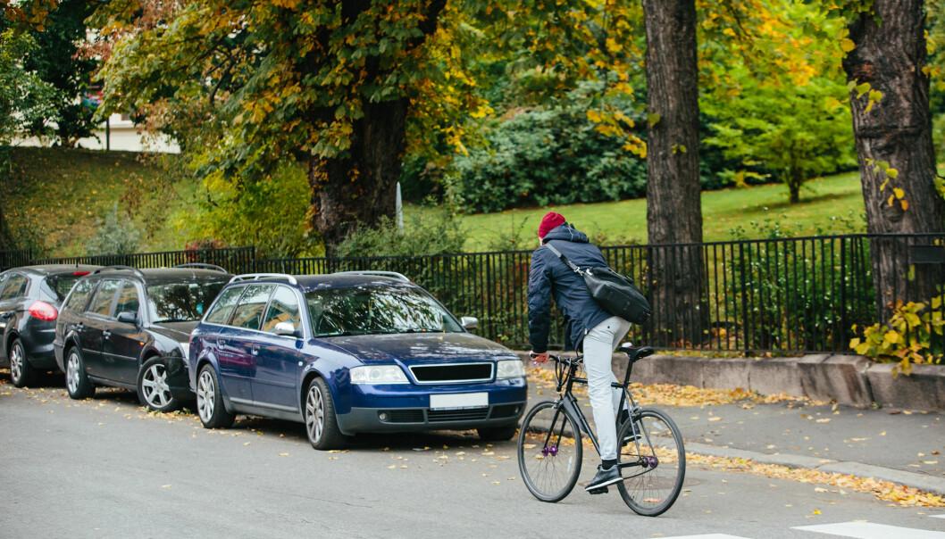 Studiar av bilbruk viser at europeiske bilar i snitt står parkerte 97 prosent av tida. – 97 prosent er nesten heile tida! Talet viser at vi har altfor mange bilar i dag, seier forskar. (Illustrasjonsfoto: Shutterstock / NTB Scanpix)
