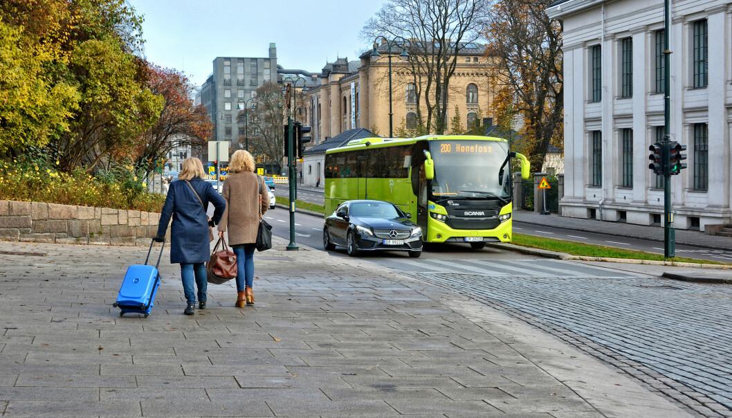 Oslo kommune brukte 38 000 tonn grus i vinter. Om våren blir mye av grusen knust til støv av biler, og bidrar til enda mer svevestøv i lufta. (Illustrasjonsfoto: Shutterstock / NTB Scanpix)