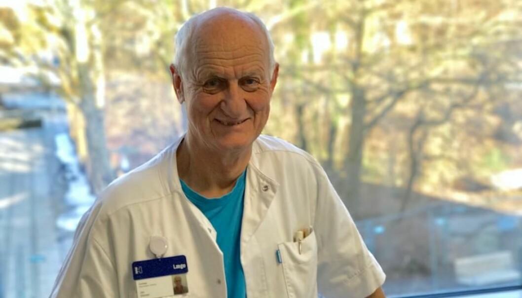 Den 76 år gamle danske nevrologen Jes Olesen er en av verdens ledende hodepineforskere. Forskningen hans har trukket hodepinelidelser ut av psykiatrien og inn i nevrologien.  (Foto: Bo Karl Christensen)