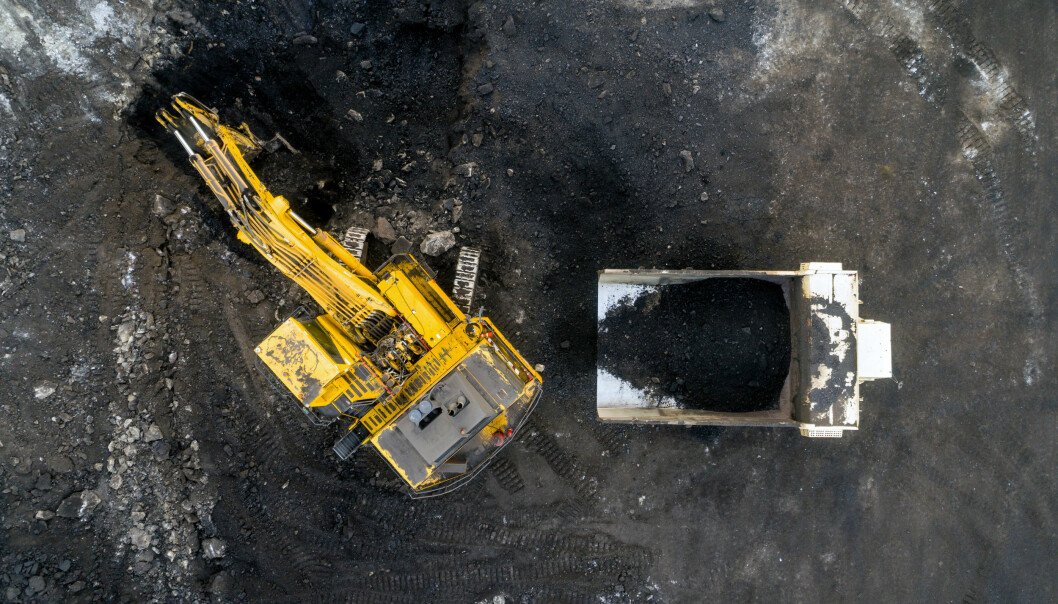 Utsleppskutta i lavinntektsområde kom som følgje av nedleggingar av kraftverk, medan kraftverk i rikare område har installert teknologi som fjernar utsleppa. Ein viktig grunn til å vere opptatt av korleis miljøgevinstar blir fordelte, er at skeiv fordeling kan påverke haldningar til miljøpolitikk, sier Isaksen. (Illustrasjonsfoto: Kullkraftverk av Colourbox)