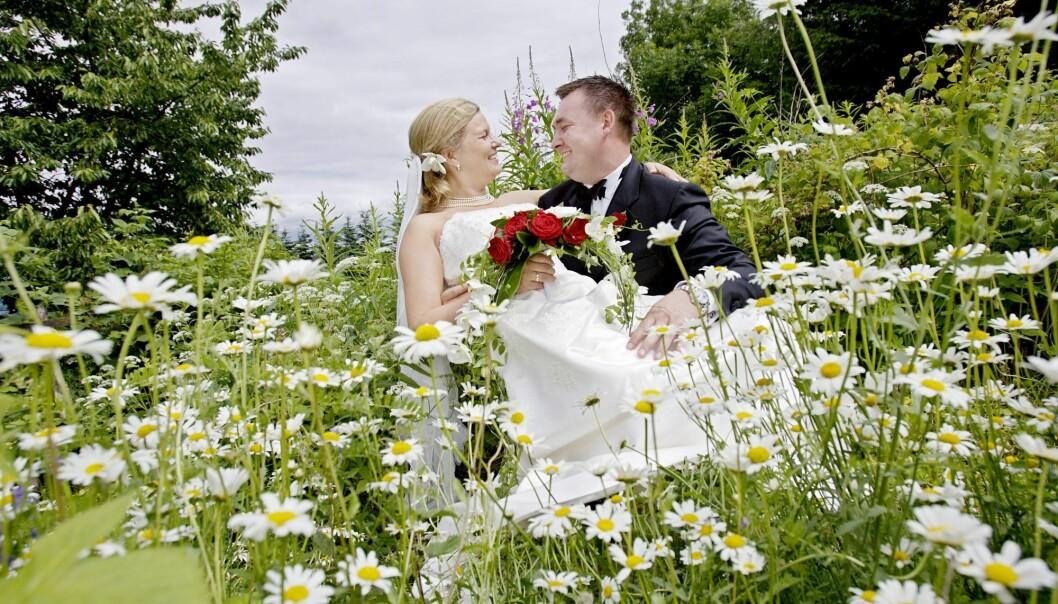 Snittalderen for første ekteskap for menn er 34,9 år. Kvinnene er nå i snitt 32,3 år gamle når de gifter seg for første gang. (Illustrasjonsfoto: Stian Lysberg Solum, NTB scanpix)