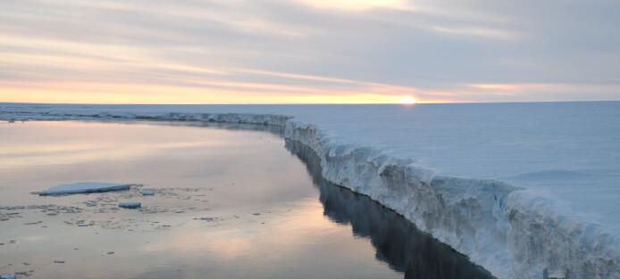 – Isen i Antarktis smelter ikke med det første, men store endringar er undervegs i havet