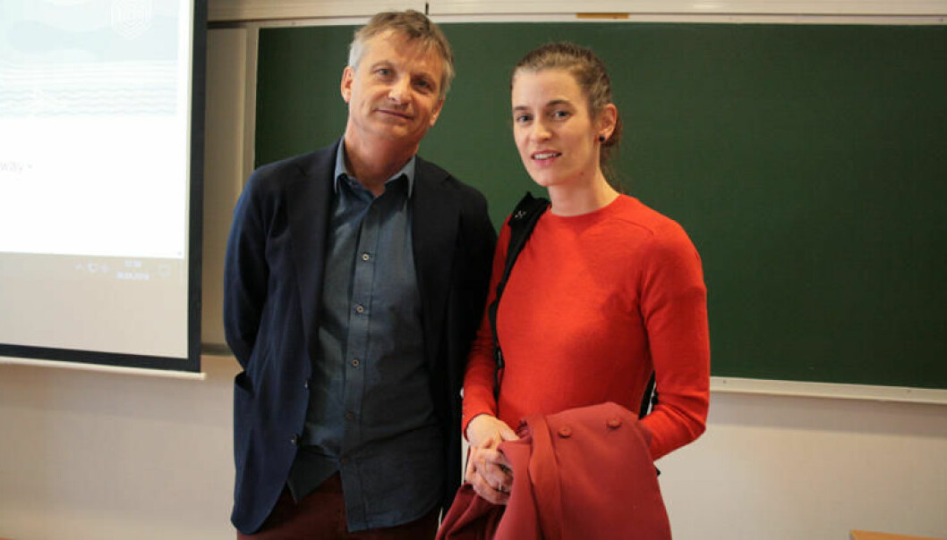 Viserektor ved HSN Pål Augestad og seniorrådgjevar ved Forskningsrådet Marte Øvenild. (Foto: HSN)