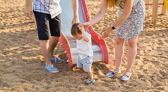 Overbeskyttende voksne kan skade barna
