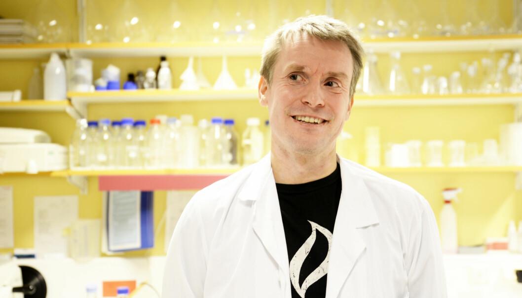 Kreftforsker Tom Dønnes og kolleger har slitt i motvind for å få publisert resultater som bryter med en etablert sannhet innen kreftforskningen. Han mener at de mange kreftpasienter må få en ny behandlingsstrategi. Mange har fått medisiner som ikke har virket. Noen har også fått bivirkninger av dem. (Foto: Rune Stoltz Bertinussen, Krysspress)