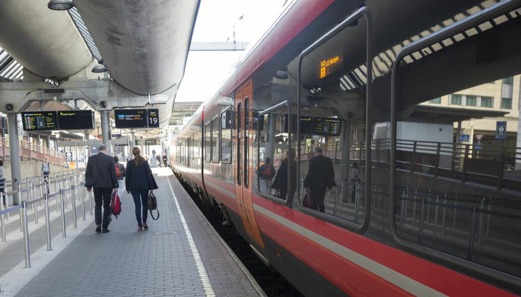 Folk er uenige om hvor togstasjonene bør ligge når de nye dobbeltsporene kommer. I byen eller utenfor? (Terje Bendiksby / NTB scanpix)