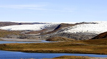 Sot får Grønlandsisen til å smelte raskere