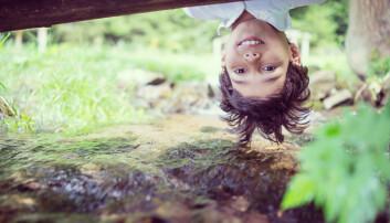 - Det er ikke nødvendigvis den fysiske faren som er barns hoveddrivkraft for lek i naturen, men utforsking og nysgjerrighet, sier høgskolelektor Jostein Rønning Sanderud.  (Foto: Shutterstock)