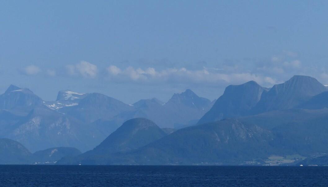 En gang var de fjellkjedens røtter. Blant vestlandsfjellene finner vi eklogittene som ble dannet dypt i jordskorpen for om lag 400 millioner år siden. (Foto: Ane K. Engvik)