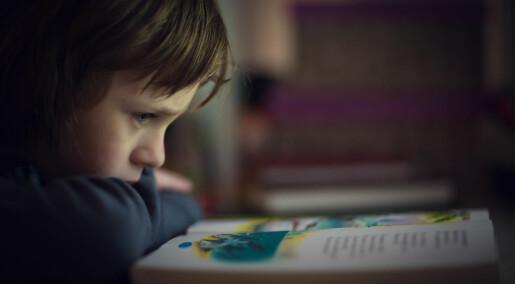 Gutter forblir dårligere til å lese